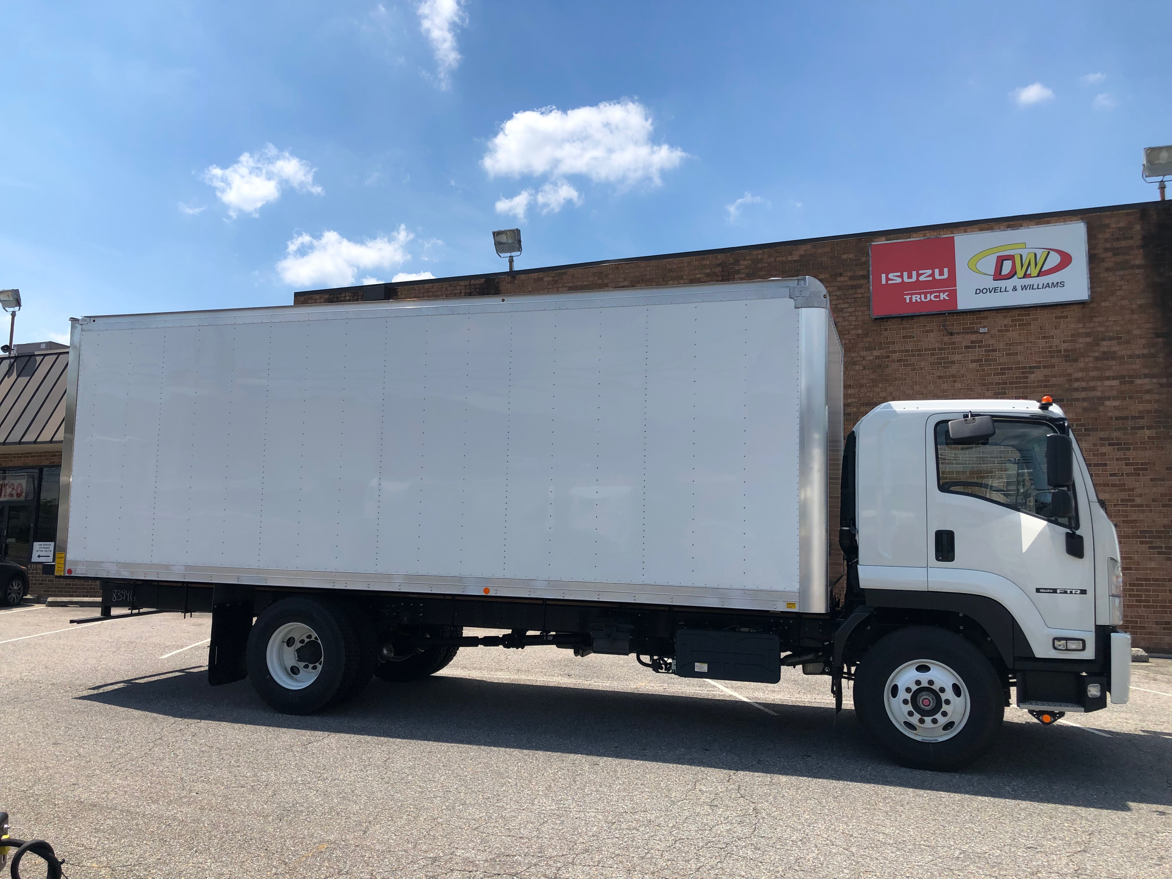 """2018 Isuzu FTR with a 24' Mickey Body and 212"""" Wheelbase, 3 Year Untimited mile Warranty, 3 Year 24hr roadside Assistance, IMG-8052-762x456"""